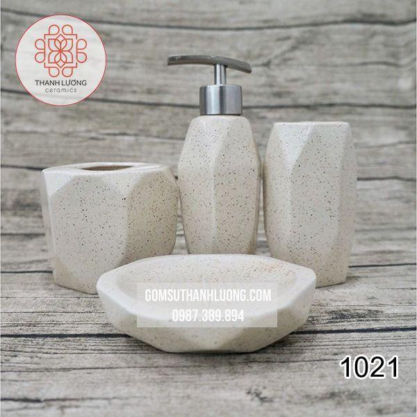 1021-Bo-binh- dung-sua-tam- dau-goi-day-du- gom-trang_result